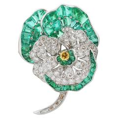 1930s Udall & Ballou Emerald Diamond Platinum Pansy Pin