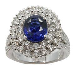 18 Karat White Gold Sapphire Ring with Diamonds