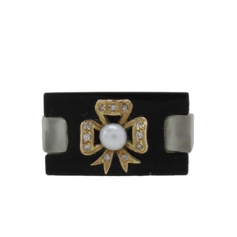 ct. 1,30 Diamonds Onyx Pearl Fashion Gold Ring