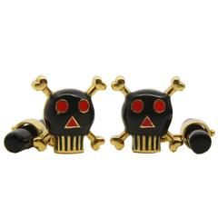 Smart Hand Enameled Little Skull Onyx Stick Back 18 Carat Yellow Gold Cufflinks