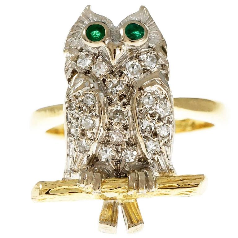 Diamond Pavé Emerald Gold Owl Cocktail Ring For Sale
