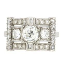 Art Deco 1.80 Carat Old Cut Diamond Cluster Ring, circa 1920s