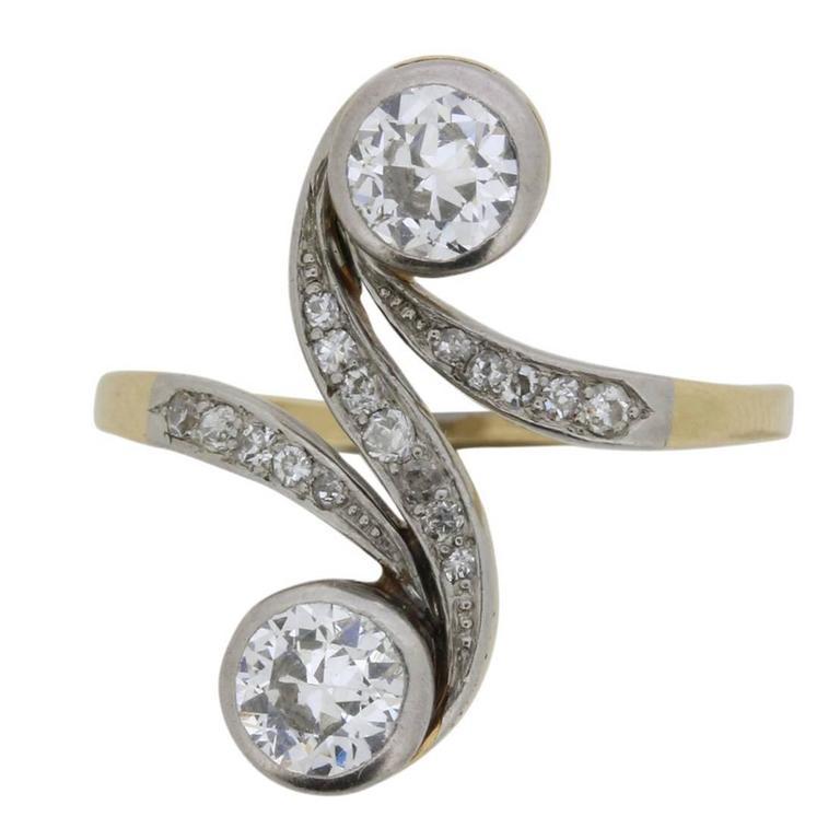 Edwardian 1.50 Carat Old Cut Diamond Twin Stone Ring, circa 1900s