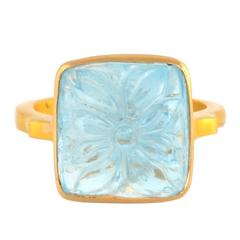 Carved Aquamarine Ring in Yellow Gold