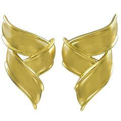 Tiffany & Co. Pair of Stylish Gold Ribbon Ear Clips