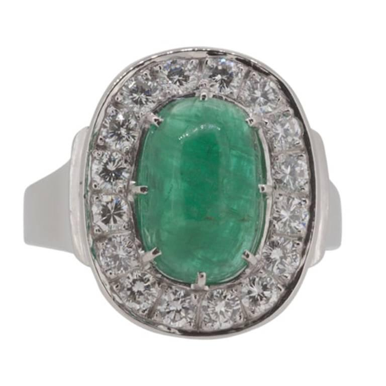 1970s Scandinavian Design Cabochon Cut Emerald Diamond White Gold Ring For Sale