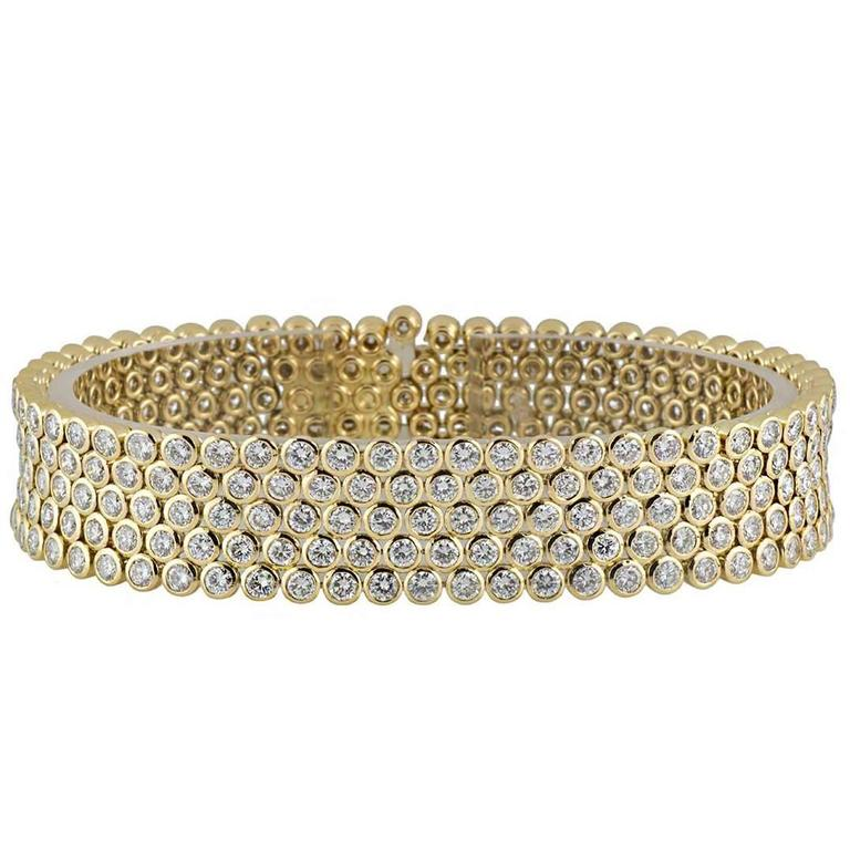 Garrard 14.25 Carat Diamonds Gold Bracelet