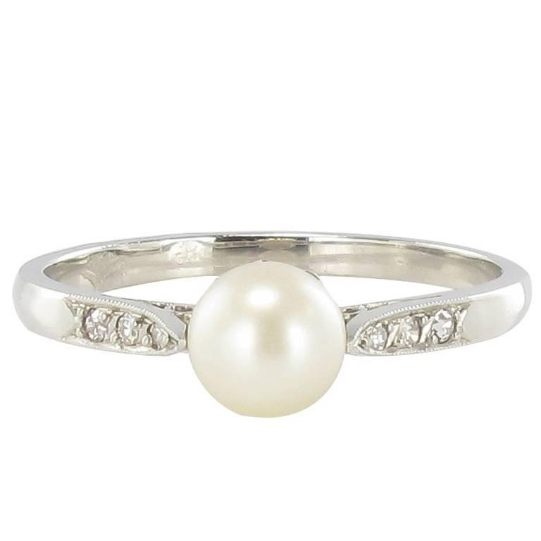 French 1920s Platinum Diamond Natural Pearl Ring
