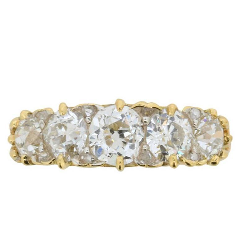 Late Victorian 1.90 Carat Five Stone Old Cut Diamond Gold Ring circa 1900s 1