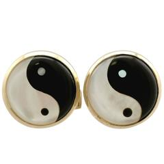 Mother-of-Pearl and Yellow Gold Cufflinks