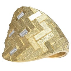 Jo Hayes Ward White Diamond Baguette Reflective Gold Curve Ring