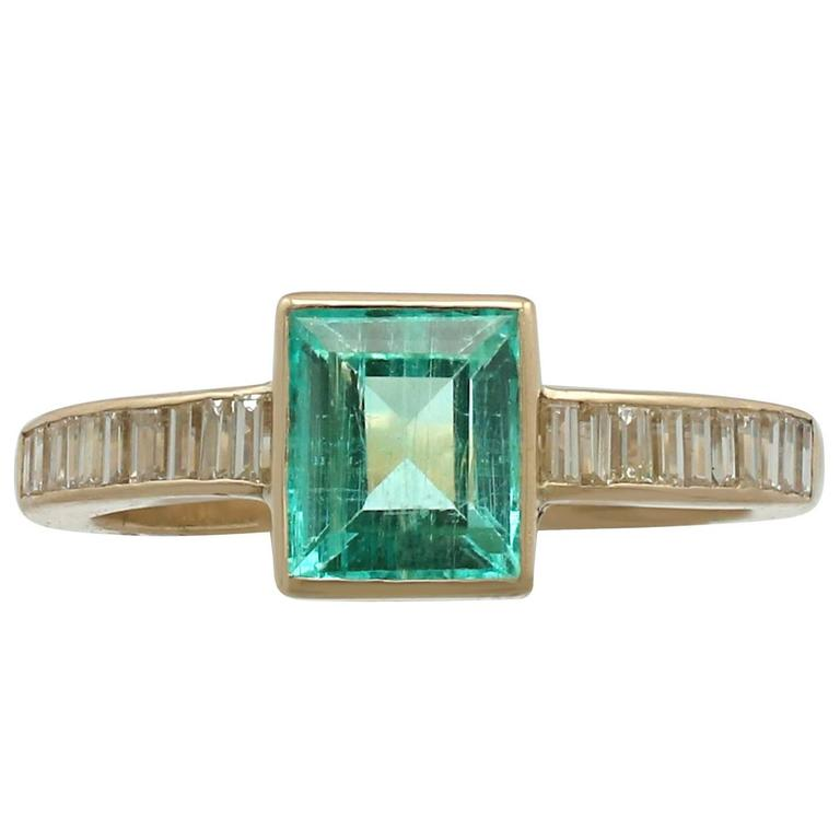 1980s 1.10 Carat Emerald and Diamond Yellow Gold Cocktail Ring