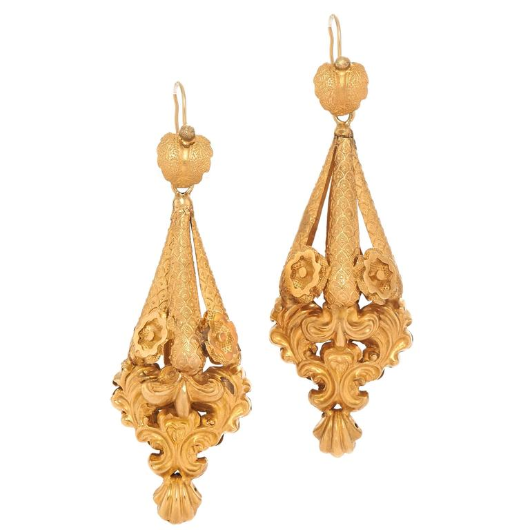 Pair of Antique Victorian Foliate Scrollwork Gold Pendant Earrings 1