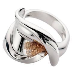 Calla White Diamond Sapphire 18Kt Gold Ring