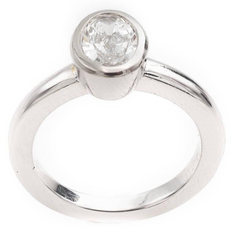 Modern Solitaire Engagement Platinum Ring Oval Diamond 0.84 Carats