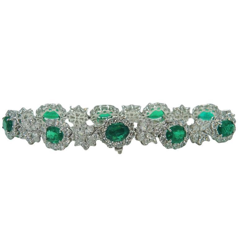 Oval Cut 9.90 Carat Emerald Diamond Platinum Bracelet
