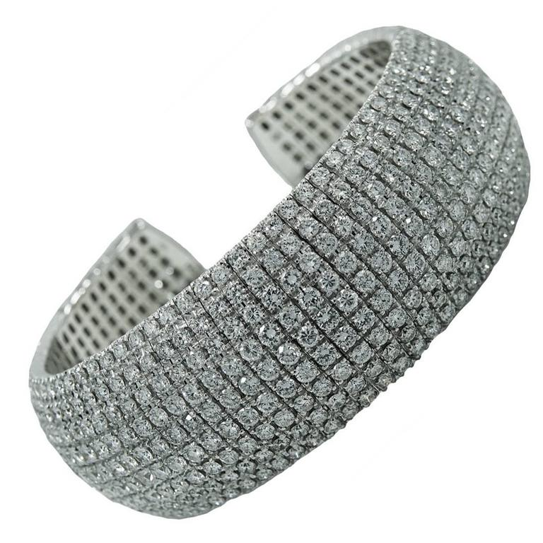 White Gold Cuff Bracelet with 32.70 Carats Round Brilliant Diamonds