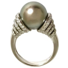 Cultured Pearl  Tahiti and Diamonds White Gold Ring.