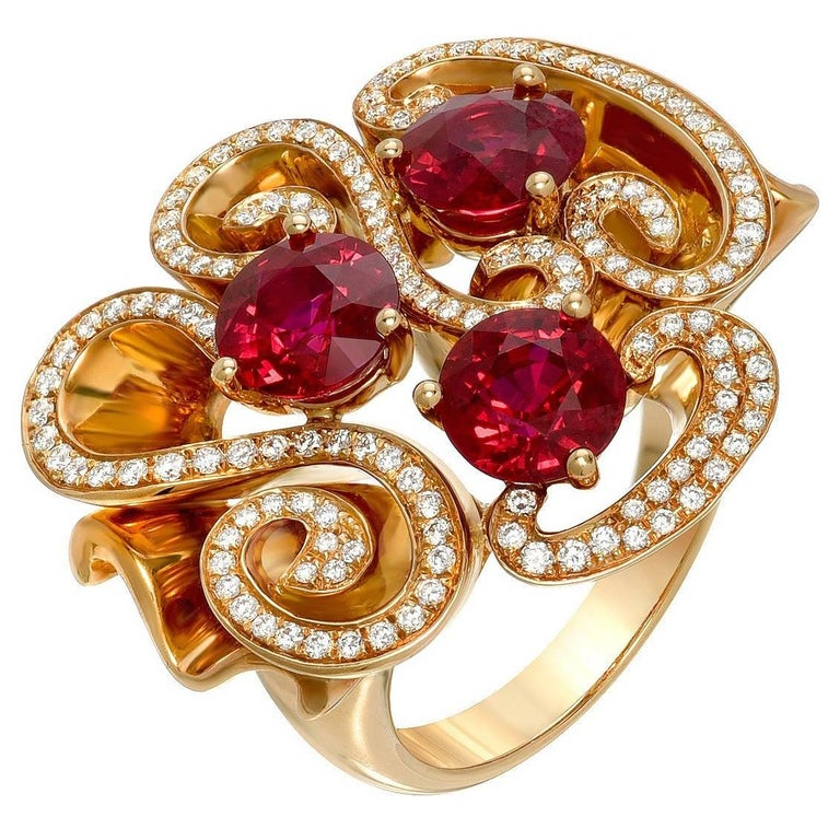 Burma Ruby Ring 3.82 Carats For Sale