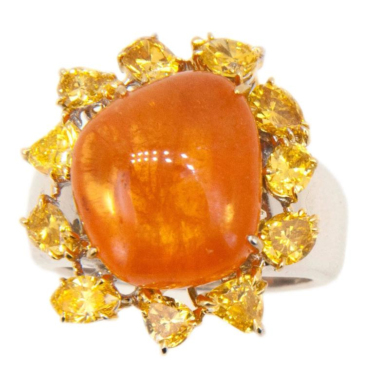 Laura Munder Mandarin Garnet Yellow Diamond White and Yellow Gold Ring For Sale