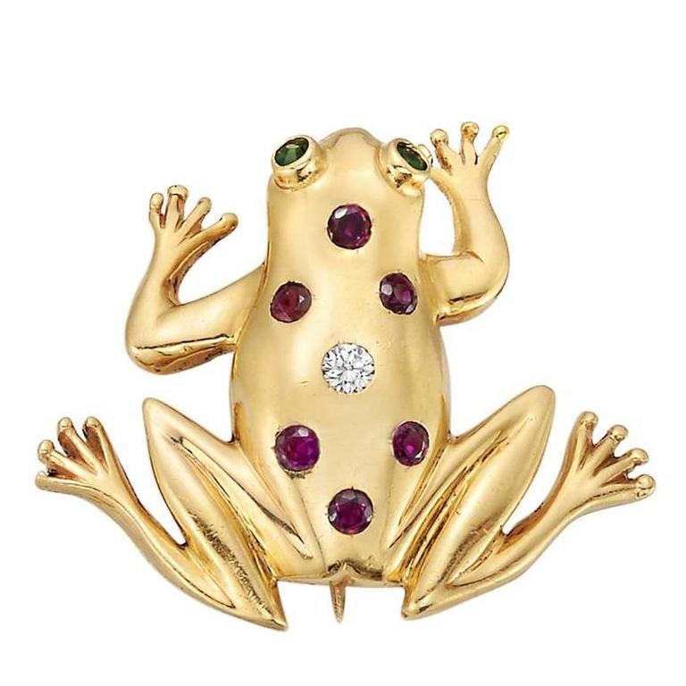 Fabrice Paris huge frog pin rhinestone pearl gold metal For Sale at ...