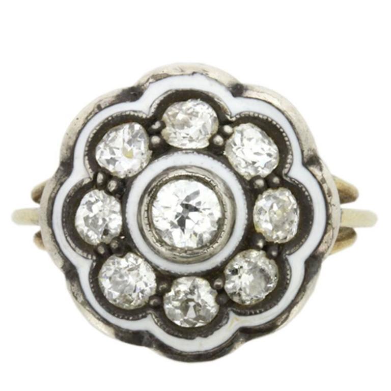 Vintage 1.05 Carat Diamond Daisy Cluster Ring, circa 1930s