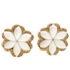 Green Fancy Diamonds, White Coral Petals, Rose Gold Clip-on Retrò Earring