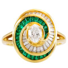 Fashionable Emerald Diamond and Gold Cocktail Ring