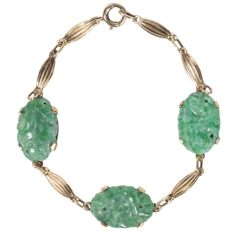 Sophisticated Mid Century Modernist Carved Jade And Gold Bracelet For