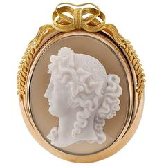 French 1850s Victorian Hard Stone Cameo Gold Brooch