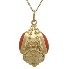 1950s Coral Yellow Gold Pendant