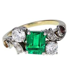 1920s Fancy Emerald Diamond Gold Cluster Ring
