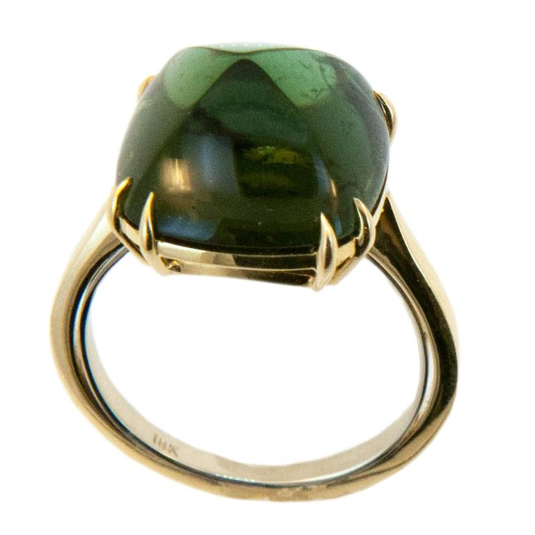 Laura Munder Green Tourmaline Sugarloaf Yellow Gold Ring For Sale