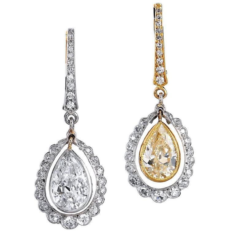 H & H Morphosis 2.70 Carat Diamond Gold Platinum Dangle Lever-Back Earrings