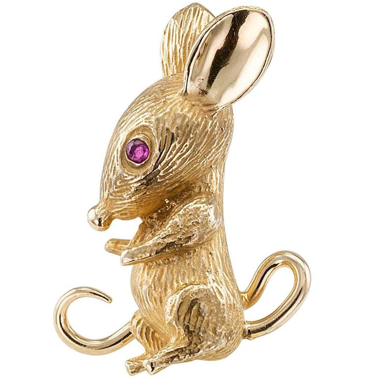 1960s Mouse Brooch Ruby Gold For Sale