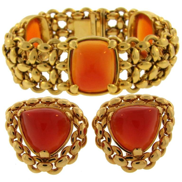 1980s Hermes Carnelian Yellow Gold Earrings and Bracelet Set 1