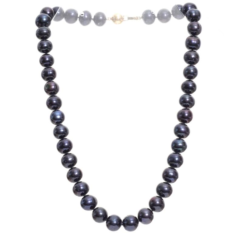 1980s Tahitian Saltwater Dyed Pearl and Gold Necklace