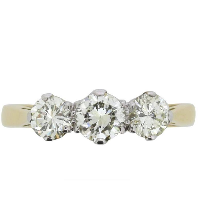 Late Victorian 1.00 Carat Three-Stone Old Cut Diamond Ring, circa 1900s