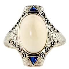 Art Deco circa 1920 Moonstone and 14 Karat White Gold Filigree Ring