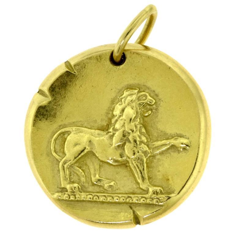 Estate Van Cleef And Arpels 18 Karat Yellow Gold Leo