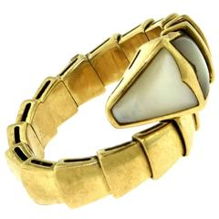 Bvlgari Serpenti 18 Karat Yellow Gold Ring with Mother-of-Pearl
