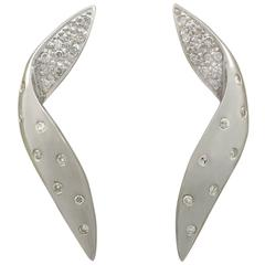 2000s Diamond and White Gold Drop Earrings