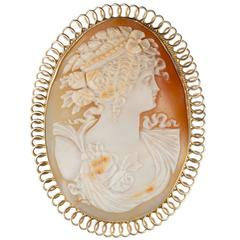 Shell Cameo in 14-Karat Yellow Gold