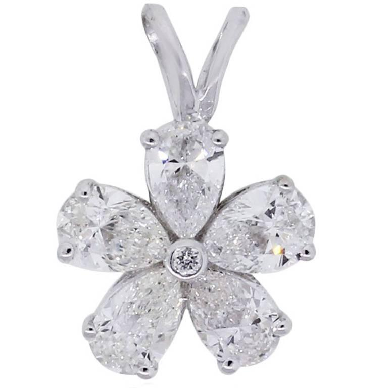 0.99 Carat Diamond White Gold Flower Pendant