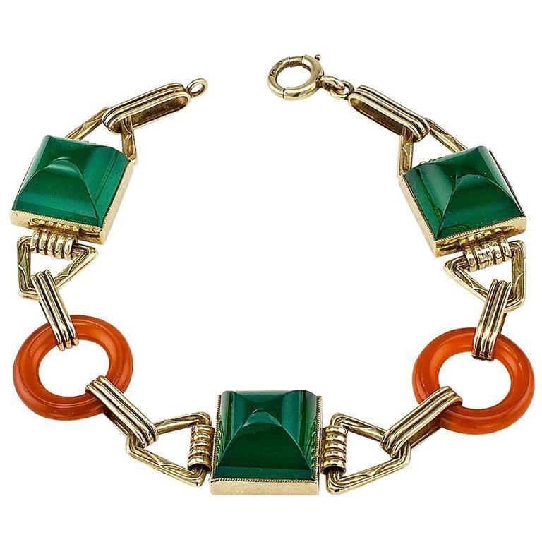 Art Deco 1930s Green Onyx Carnelian Gold Bracelet For Sale