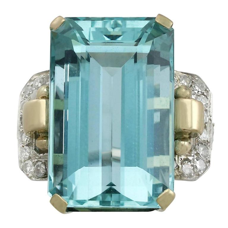 1950s 28.80 Carat Aquamarine and Diamond Yellow and White Gold Cocktail Ring For Sale
