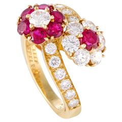 Van Cleef & Arpels Diamond and Ruby Flowers Yellow Gold Ring