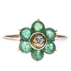 Gold 0.72 Carat Emerald Flower Ring
