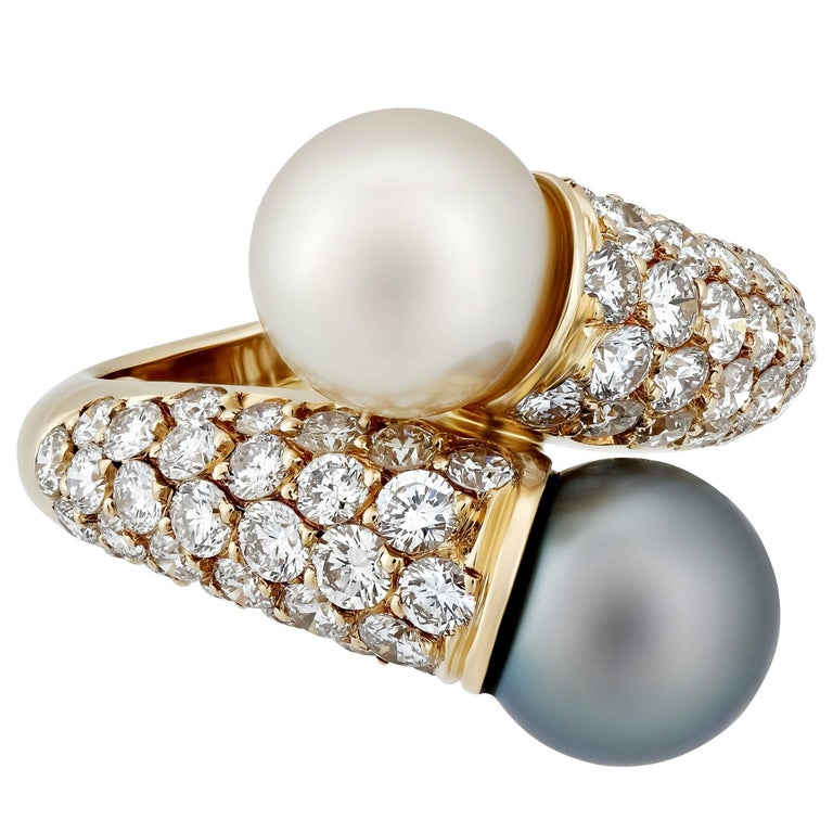 Van Cleef & Arpels Diamond and Pearl Yellow Gold Ring