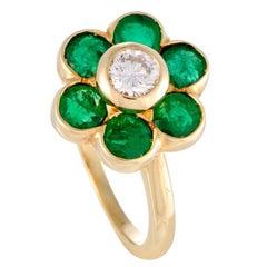 Van Cleef & Arpels Diamond Emerald Gold Flower Ring